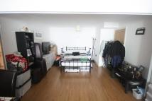 2 bedroom Flat in Streatham High Road...