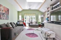3 bed Flat to rent in Heybridge Avenue, London...