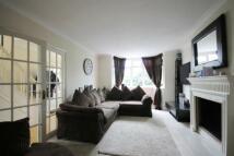 3 bed semi detached property to rent in Byeways, Twickenham, TW2