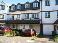 Town House to rent in Chaucer Way, London, SW19