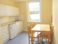 Flat to rent in Cotford Road...