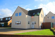 3 bed Detached property in Maple Drive...