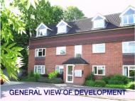2 bedroom Apartment to rent in Larch Close, Botley