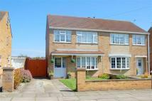 4 bed semi detached house in Clixby Close...