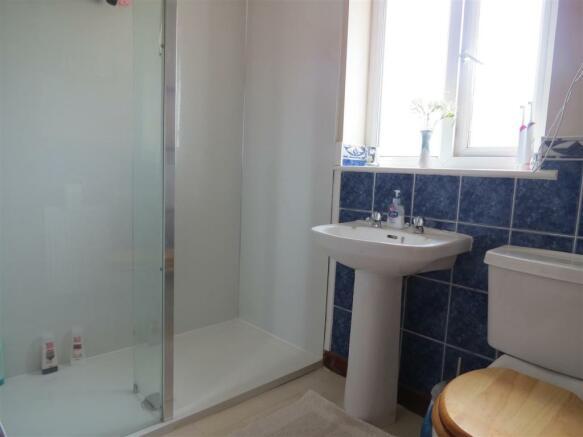 Family Shower Room: