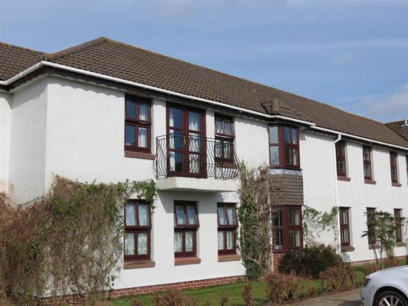 The Accommodation Comprises: