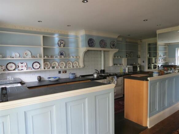 Breakfast/Kitchen Area: