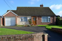 3 bed Detached Bungalow in Broom Street...