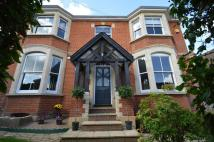6 bed Detached property in  Earlswood