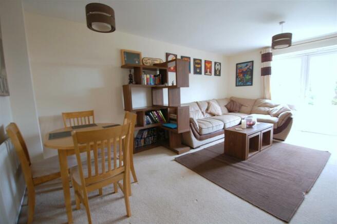 Sitting/ Dining Room