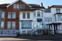 2 bed Flat to rent in Sea Road, Felixstowe...