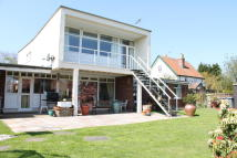 4 bed Detached property for sale in High Road...