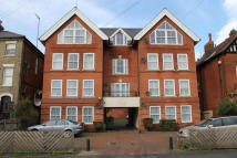 2 bedroom Flat in Undercliff Road West...