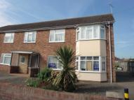 2 bedroom Flat in Oakley Road, DOVERCOURT...