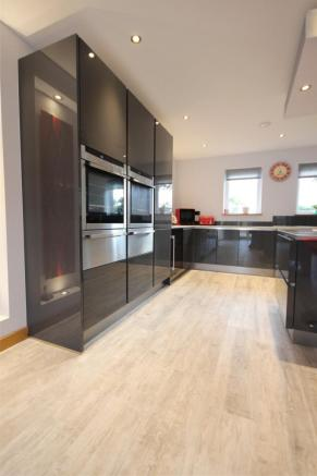 Kitchen Area 3