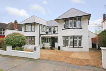 5 bed Detached property in Friary Road, Finchley...