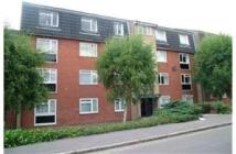 3 bed Flat for sale in Bells Hill, High Barnet...