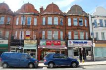Flat to rent in BALLARDS LANE, Finchley...