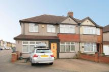 4 bedroom semi detached house for sale in Barton Way, Croxley Green