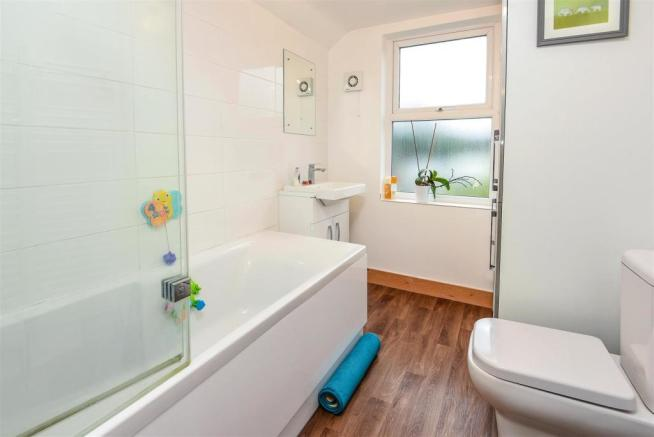 New Road - Bathroom.jpg