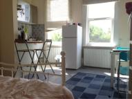 Madeley Road Flat to rent
