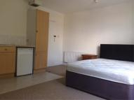 Apartment to rent in St Marys Road, W5