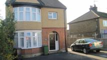 2 bed Flat in Riverview...