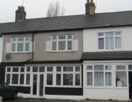 3 bedroom house in Redbridge Lane East...
