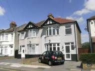 3 bed property to rent in Wards Road, Seven Kings...