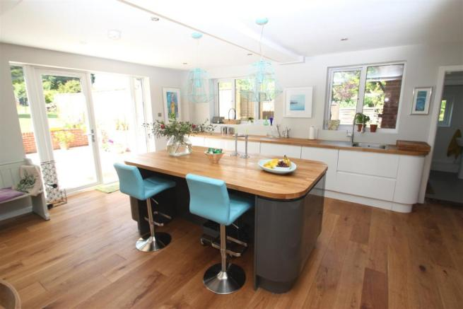 Dial House-kitchen.jpg