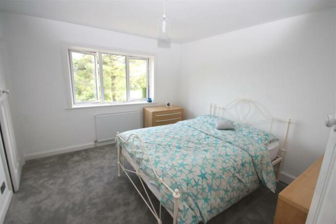 Dial House-bedroomx2.jpg