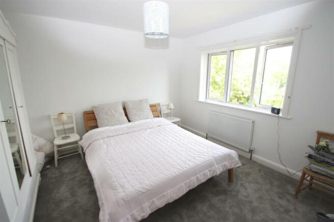 Dial House-bedroom.jpg