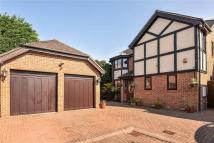 5 bed Detached home in Dukes Ride, Ickenham...