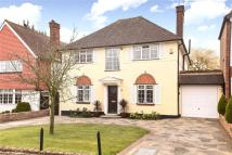5 bed Detached house for sale in North Drive, Ruislip, HA4