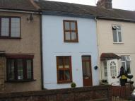 2 bed Cottage in Cowper Road, Rainham...
