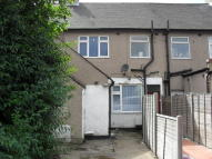 Studio flat to rent in Rainham Road South...