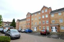 2 bed Flat in Hedgers Close, Ashton...