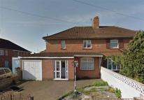 3 bed semi detached house in Hurst Walk, Knowle...
