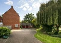 5 bedroom Detached home in Penshurst Road...