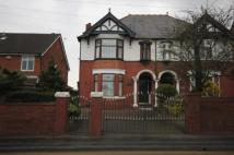 4 bed semi detached property in Market Street...