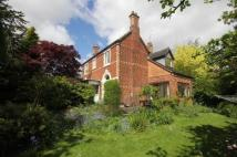 4 bed Detached home in Farlands Road...