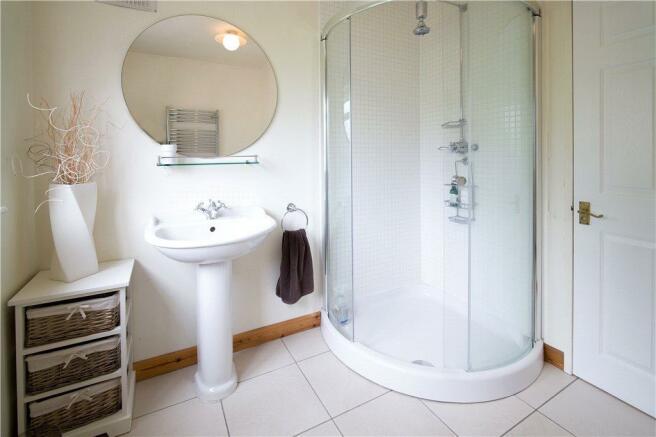 14 Shower Room
