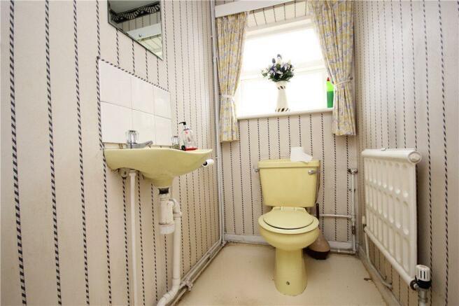 06 Cloakroom