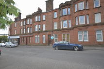 2 bed Ground Flat in Dumbarton Road...