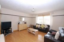 3 bed Flat in Second Avenue...
