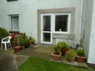 1 bed Ground Flat in Well Court, Well Terrace...