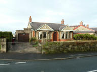 Detached Bungalow to rent in Goosebutts Lane...