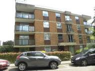 Flat in Woolmead Avenue, London