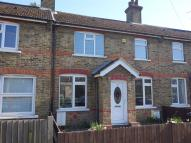 3 bed property in Mays Lane, Barnet...