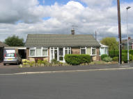 2 bedroom Detached Bungalow for sale in Queensway, Livesey...